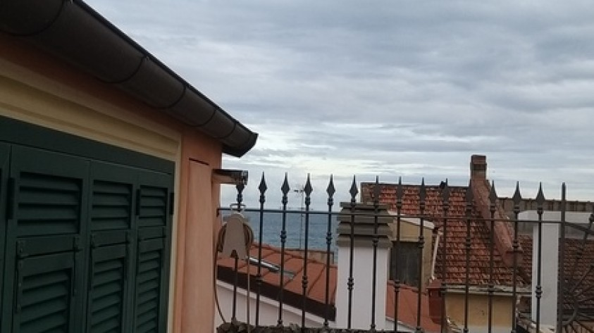 Ceriale favoloso bilocale su due livelli con terrazza